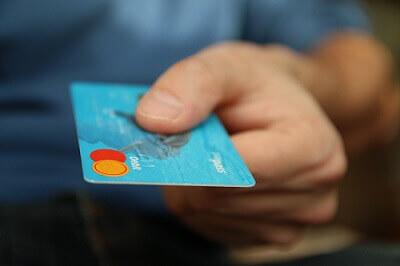 Platba kartou