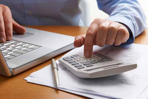 Zákon o spotřebitelských úvěrech platí pro e-komerci. Týká se i Vás?